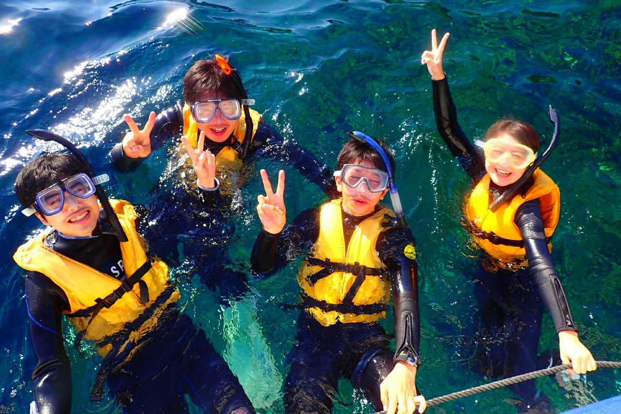 神戸制作会社 サイドスリー 社員旅行 沖縄 青の洞窟