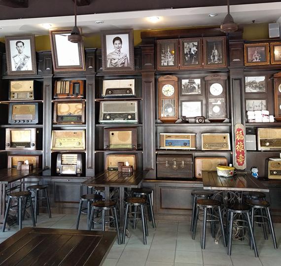 雰囲気のいいカフェ