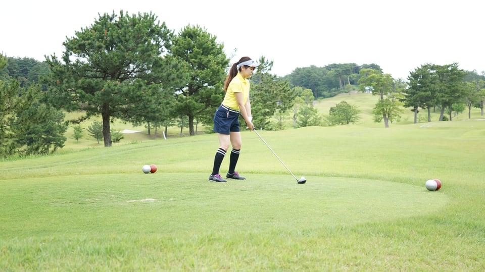 美女ゴルファーむーみん