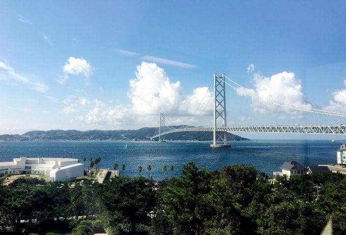 舞子ビラから眺める明石海峡大橋